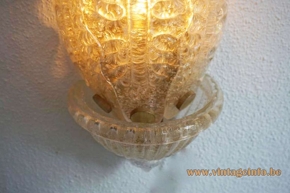 Barovier & Toso gold flakes wall lamp hands blown glass leaves gold foil 1960s 1970s Murano Italy
