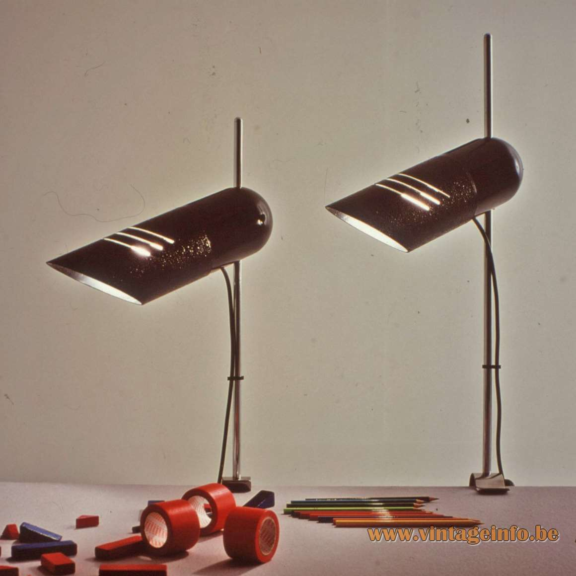 Harvey Guzzini Galdino Clamp Lamp design: Carlo Urbinati 1973 cast iron base tubular lampshade 1970s MCM