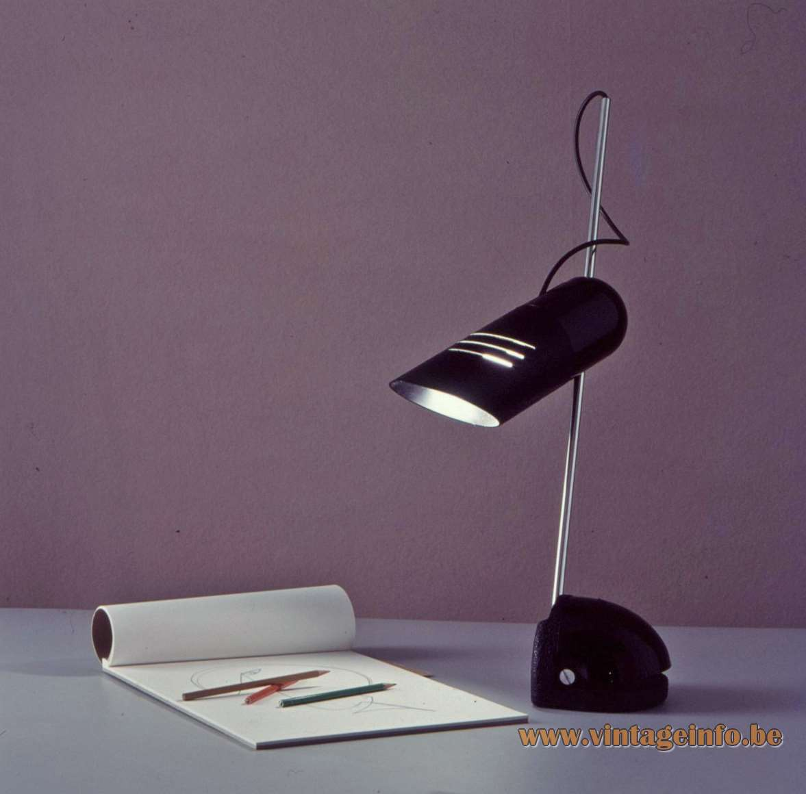 Harvey Guzzini Galdino Table Lamp design: Carlo Urbinati 1973 cast iron base tubular lampshade 1970s MCM