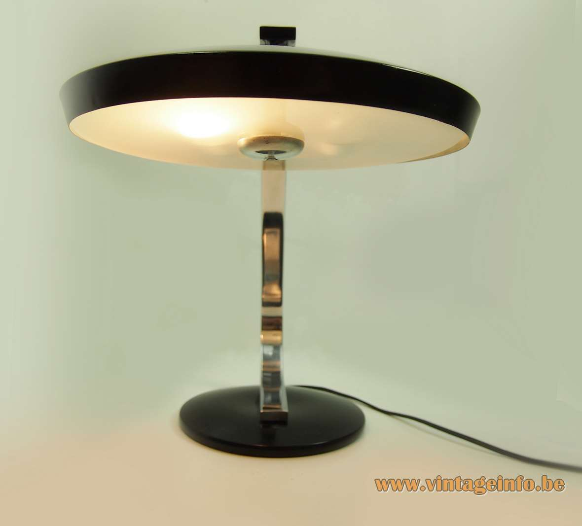 Fase Model 520-C desk lamp round base flat chrome curved rod round lampshade glass 1970s Spain