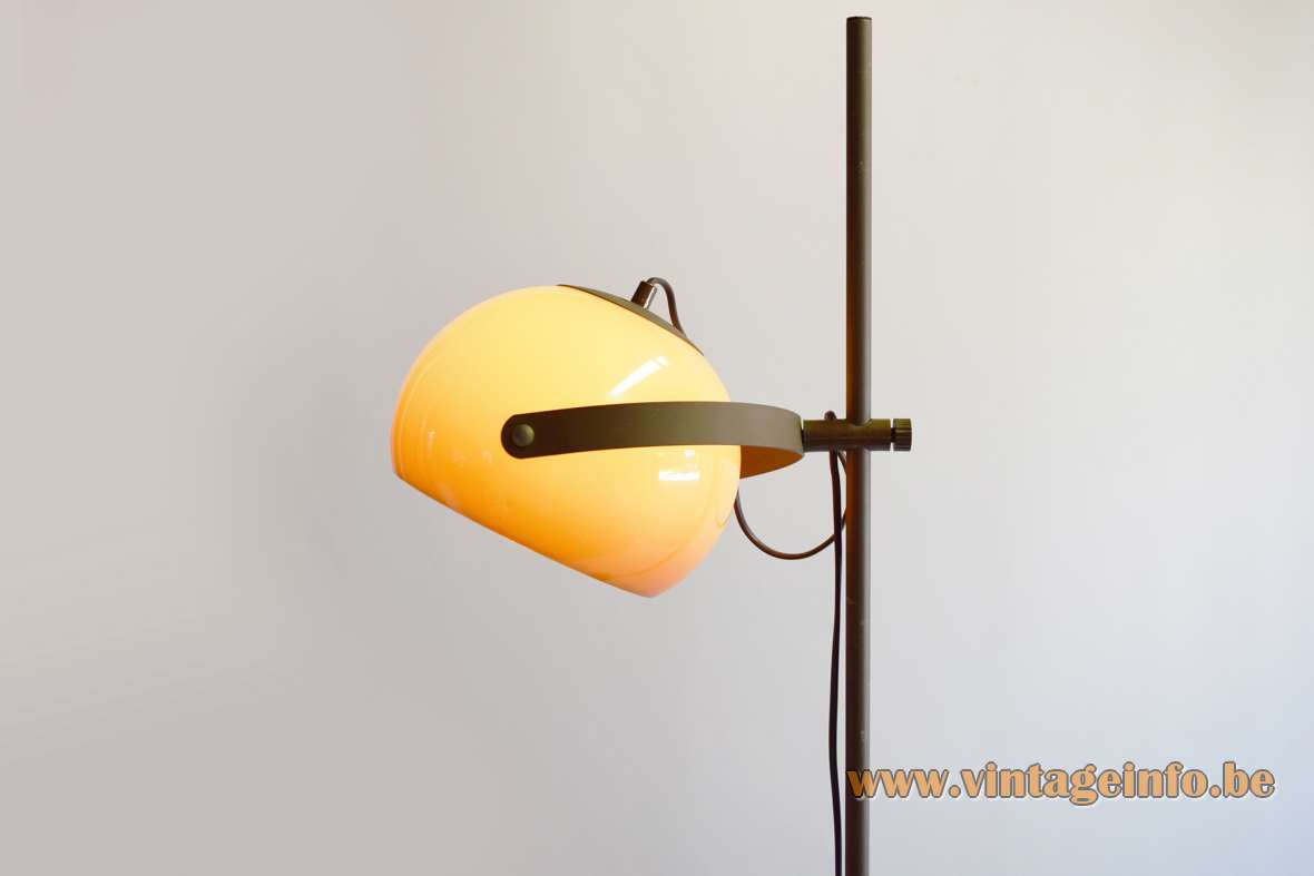 Dijkstra single globe brown acrylic floor lamp brown rod 1970s Mid-Century Modern MCM Netherlands E27 lamp socket
