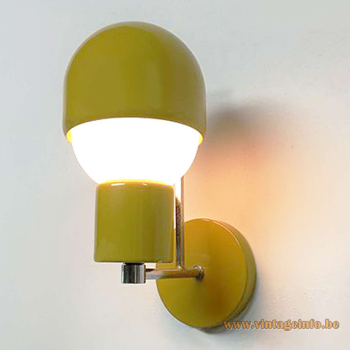 Adjustable 1960s Bedside Wall Lamp eclips ocher painted iron aluminium chrome square rod MCM