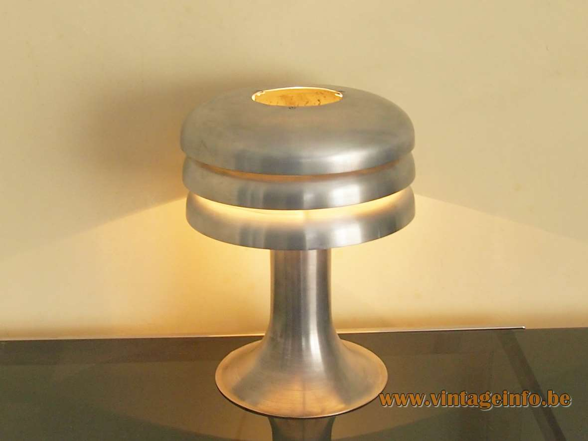 Hans-Agne Jakobsson Lamingo BN 25 table lamp round aluminium base 3 rings slats lampshade 1960s