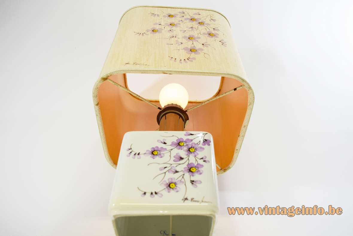 Square 1980s flowers table lamp white enamelled ceramics pink purple aster square fabric lampshade Italy
