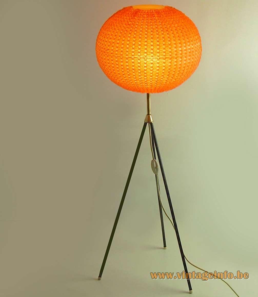 Aro Leuchte Tripod Globe Floor Lamp