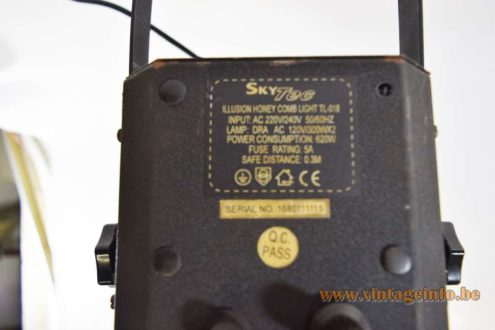Skytec Honeycomb Light - label