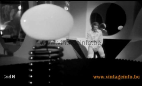 1970s Fase spiral table lamp used as a prop in the 1969 videoclip of Johnny Hallyday - Que Je T'Aime