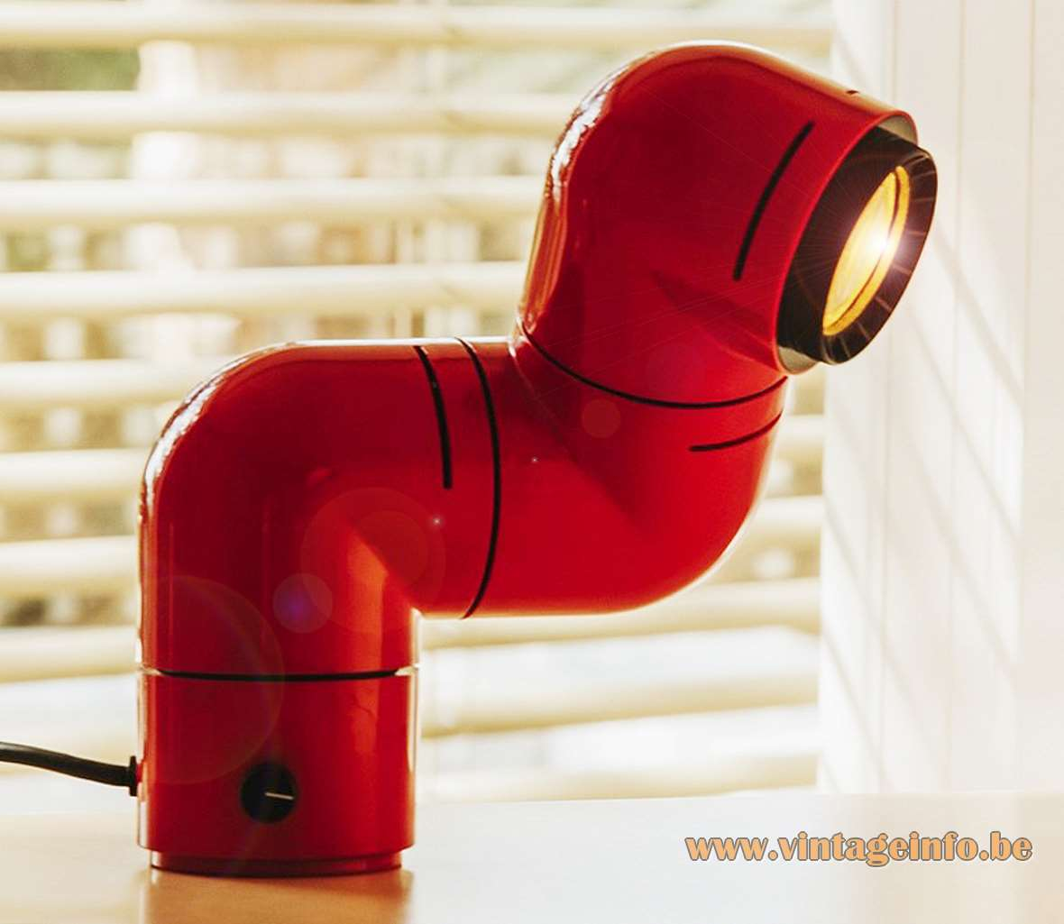 André Ricard Tatù table lamp armadillo ABS plastic Design 1972 Spain Metalarte 1970s Santa & Cole today MCM