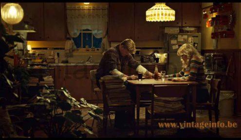 Filipe Derflinger Feder's glass chandelier used as a prop in the 2015 TV series Fargo (S2E1)