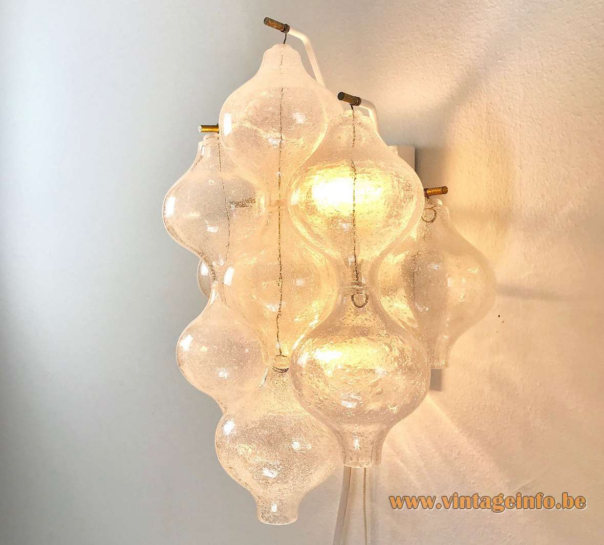 Kalmar Tulipan 9 WA Wall Lamp tulip onion bubble glass balls metal frame 1960s 1970s MCM