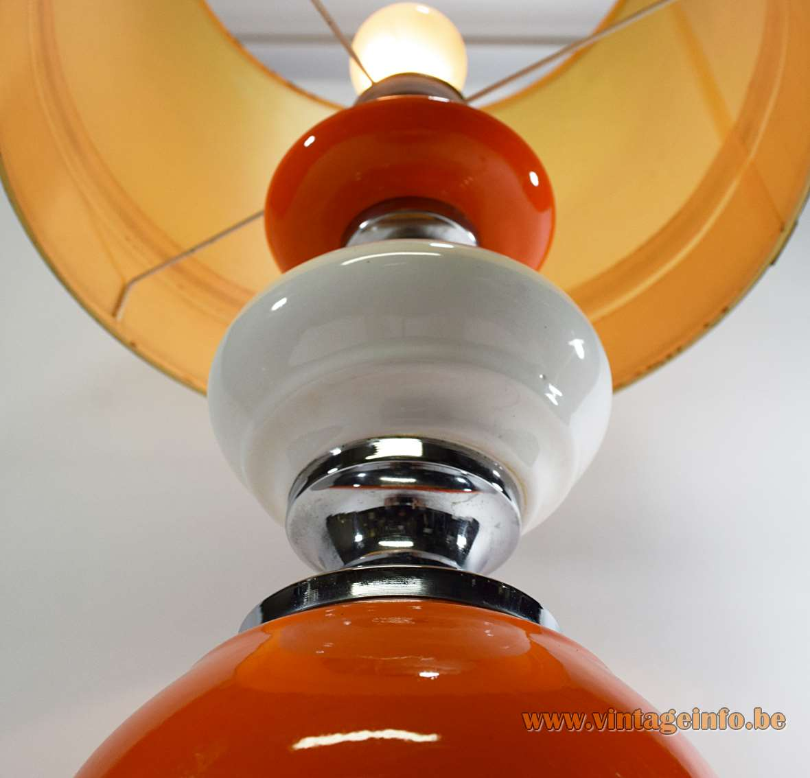 Orange ceramic table lamp with white chrome geometric hexagonal base globe 1960s 1970s Massive