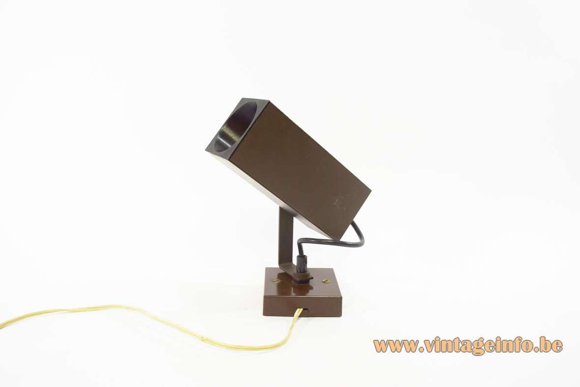 Adjustable spotlight wall lamp square tubes/beam and base 1970s Philips The Netherlands Fase Madrid Brilliant Leuchten