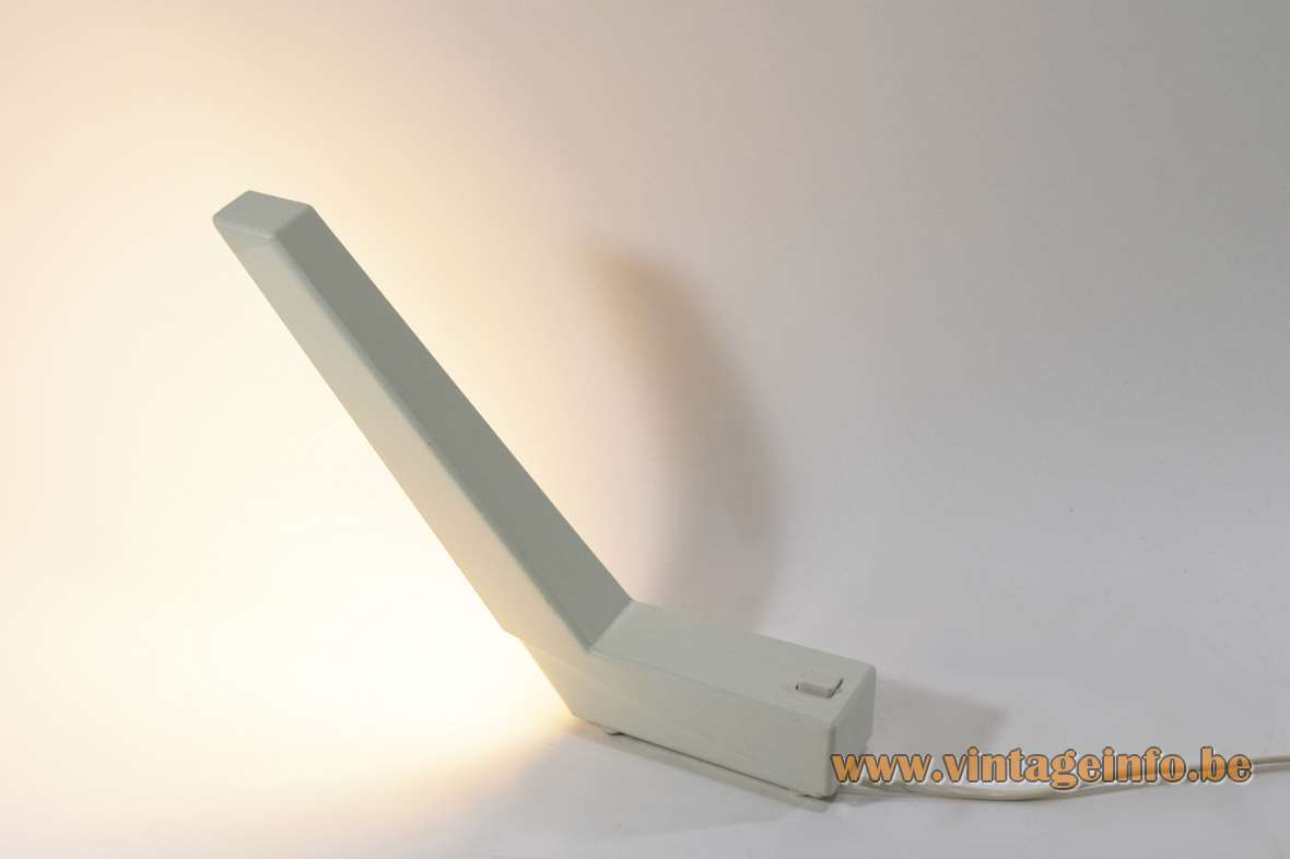 Indoor deLamp desk lamp design: Rob Wermenbol 1983 white plastic geometric G23 socket 1980s Amsterdam