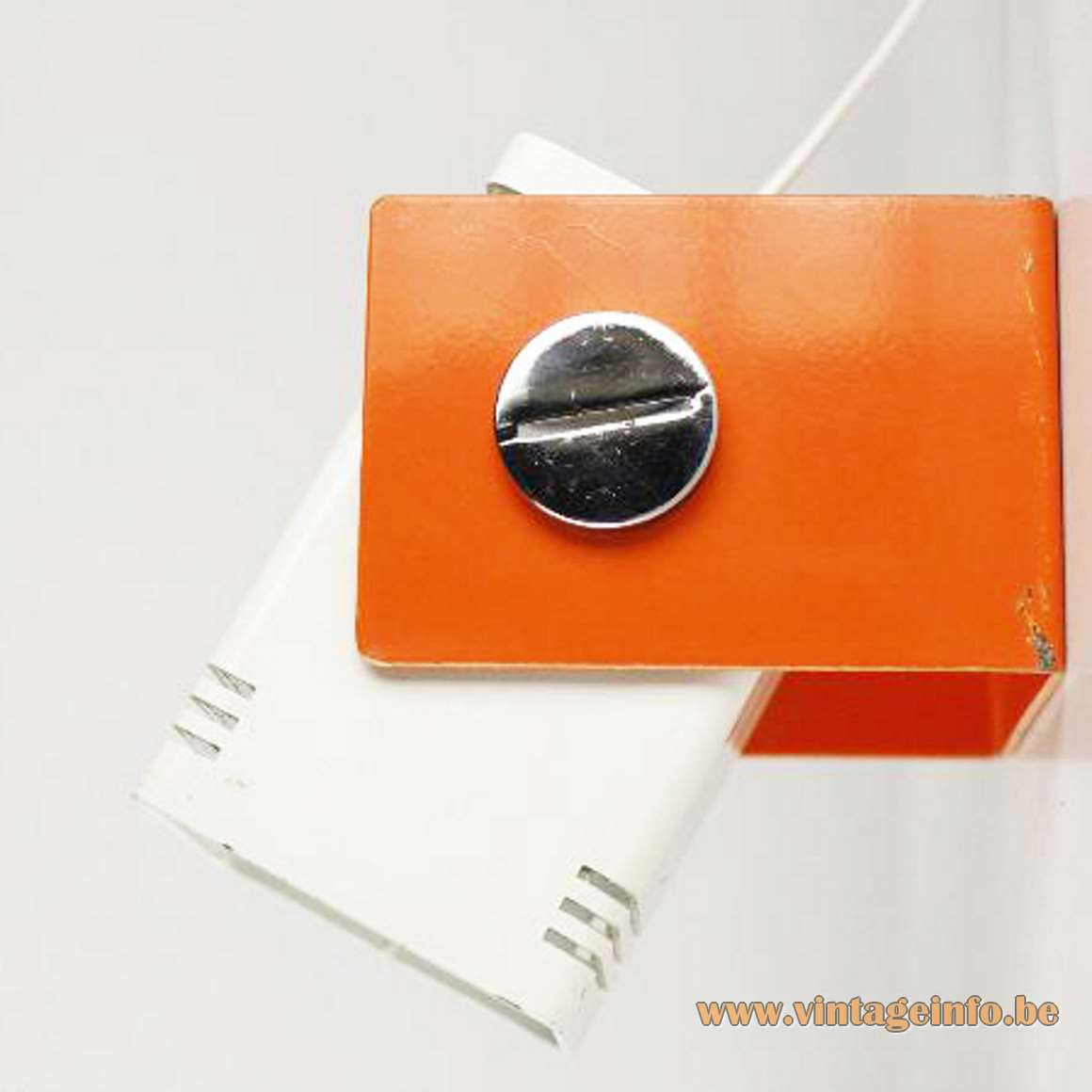 Estiluz geometric wall lamp in orange and white metal adjustable E27 socket 1970s Spain