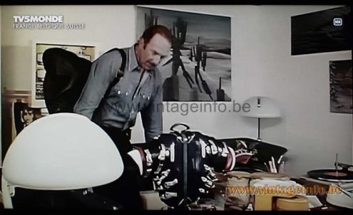 Martinelli Luce Serpente table and floor lamp used as a prop in the film Dis-Moi Que Tu M'Aimes (1974)