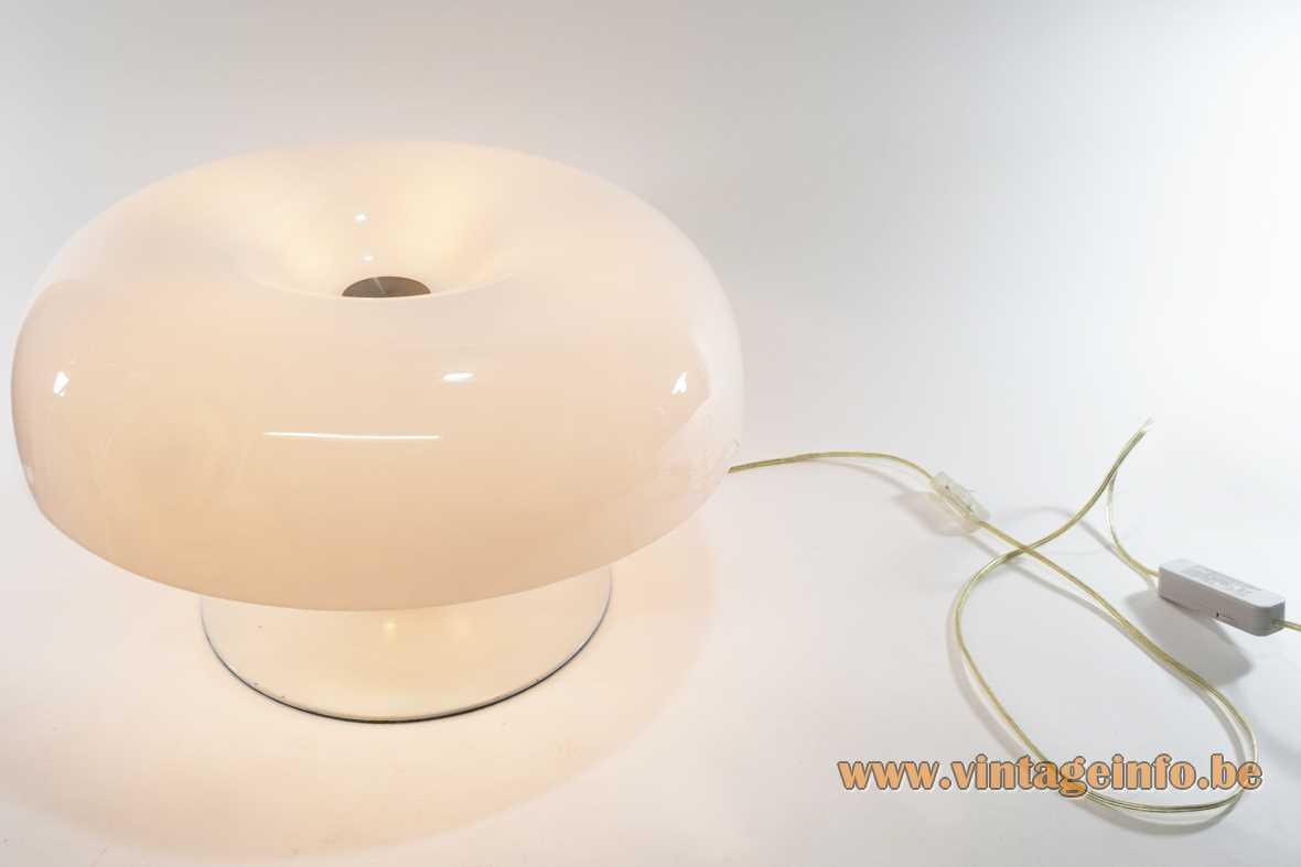 Nesso style table lamp round white curved metal base mushroom acrylic lampshade 1990s 2000s E14 sockets