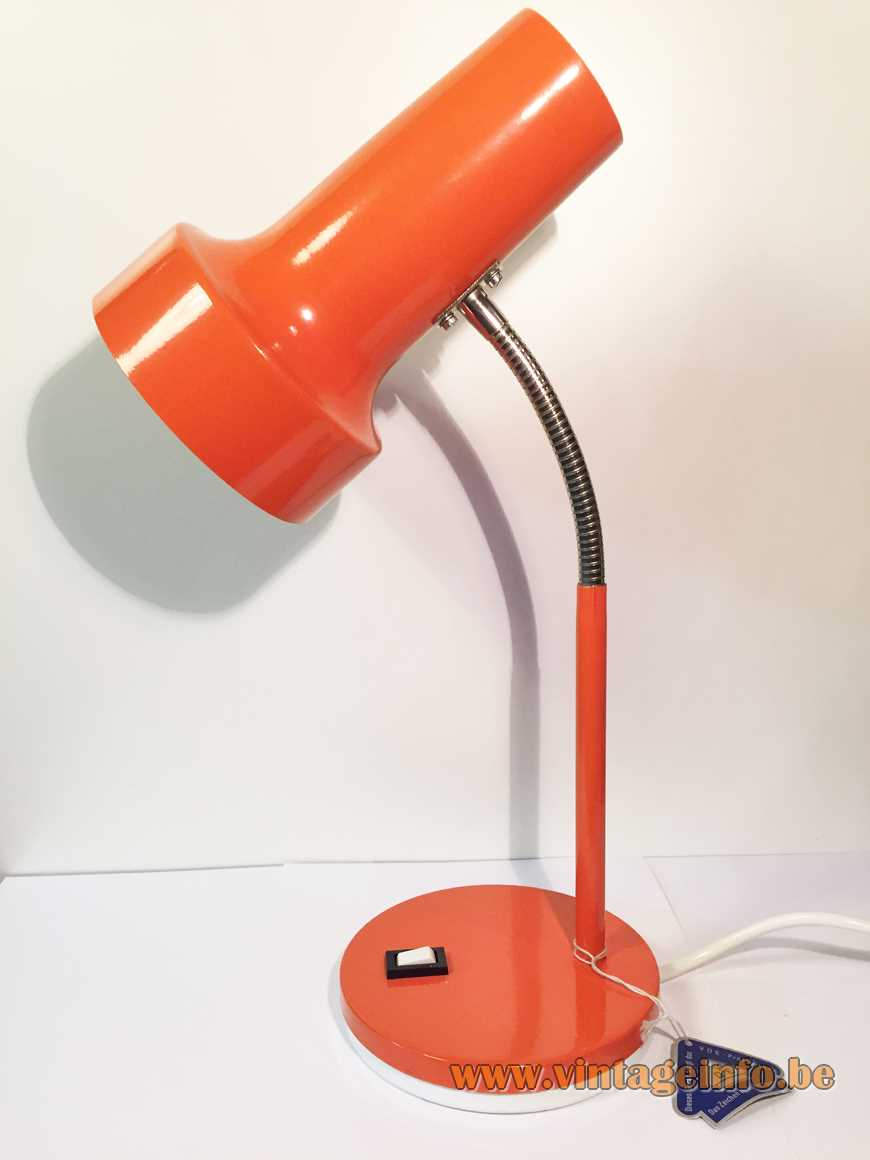 1970s Pfäffle Leuchten desk lamp. Red/orange round base, chrome gooseneck E27 socket