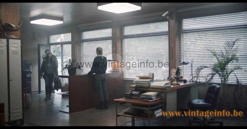 Philips Diplomat desk lamp used as a prop in Zone Blanche (2017) TV series
