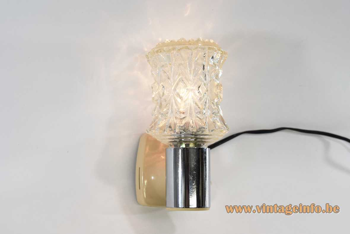 Targetti Sankey wall lamp chrome tube plastic mount pressed embossed glass lampshade E14 socket 1970s Italy