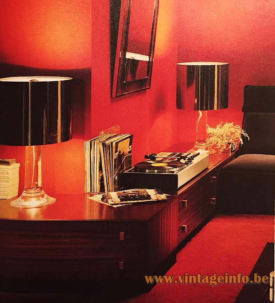 Harvey Guzzini Masselo table lamps - German Home - Wohnen in Deutschland - 1970 magazine