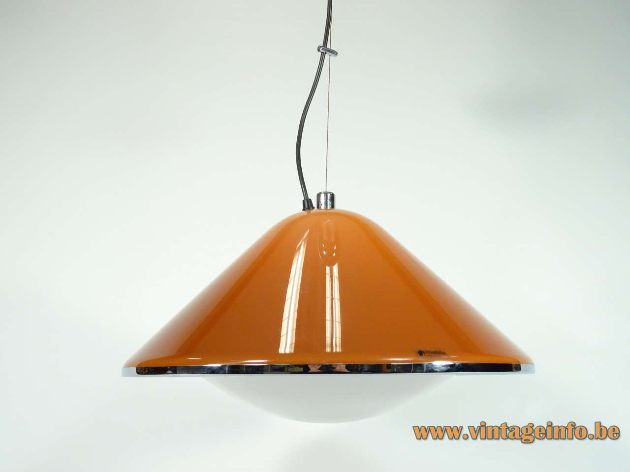 Harvey Guzzini Elpis pendant lamp brown conical acrylic mushroom lampshade chrome ring iGuzzini Meblo 1960s 1970s