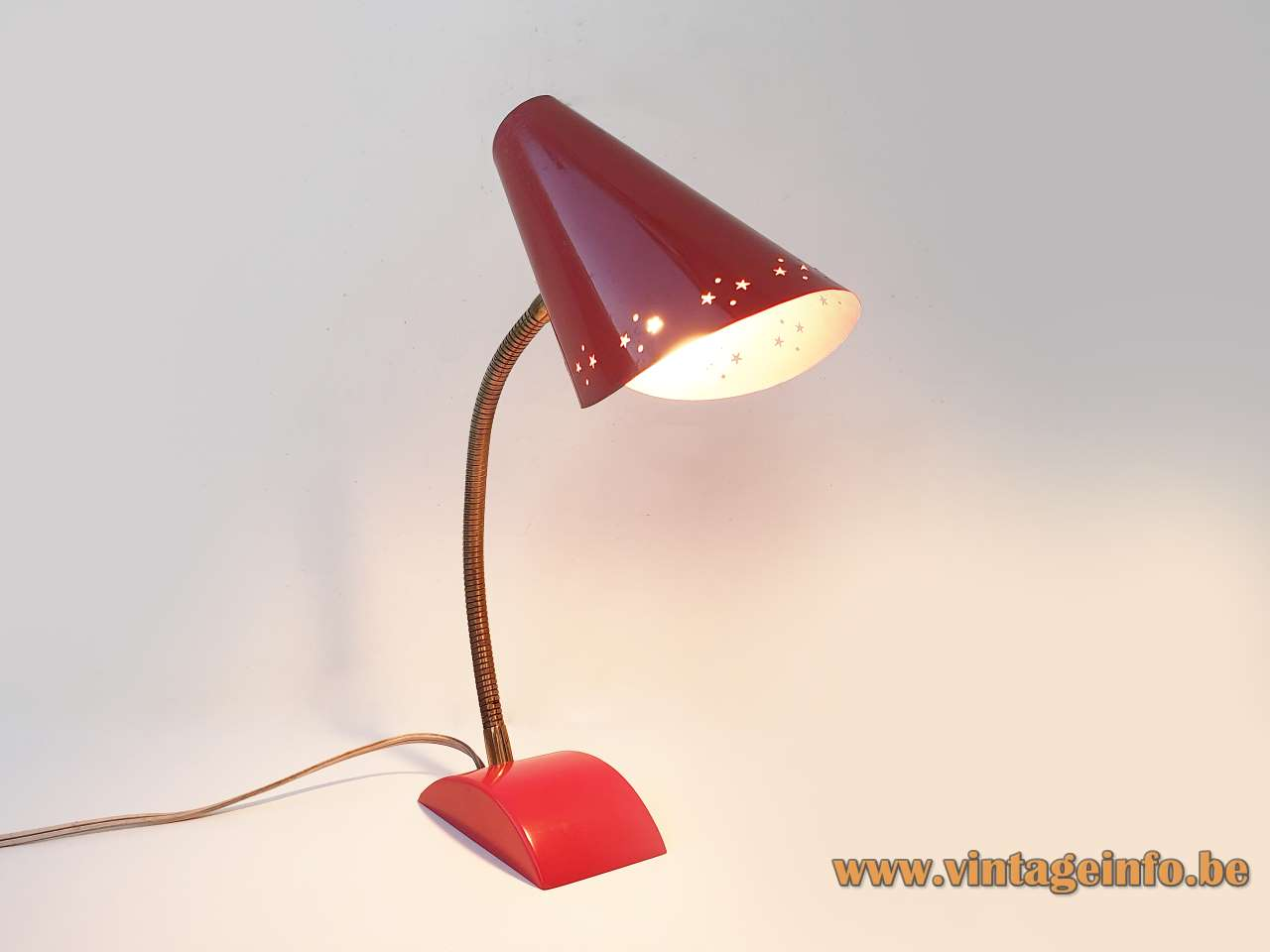 HoSo stars desk lamp red Bakelite base gooseneck conical folded lampshade tütenschirm Hoffmeister Germany 1950s 1960s