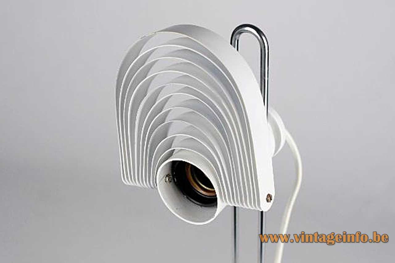 Temde Visier desk lamp design: E.R. Nele flat base chrome rod visor metal slats lampshade 1970s