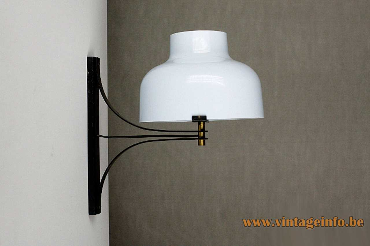Tramo Max Bill wall lamp design: Miguel Milá white acrylic lampshade black slats 1960s Tramo Spain