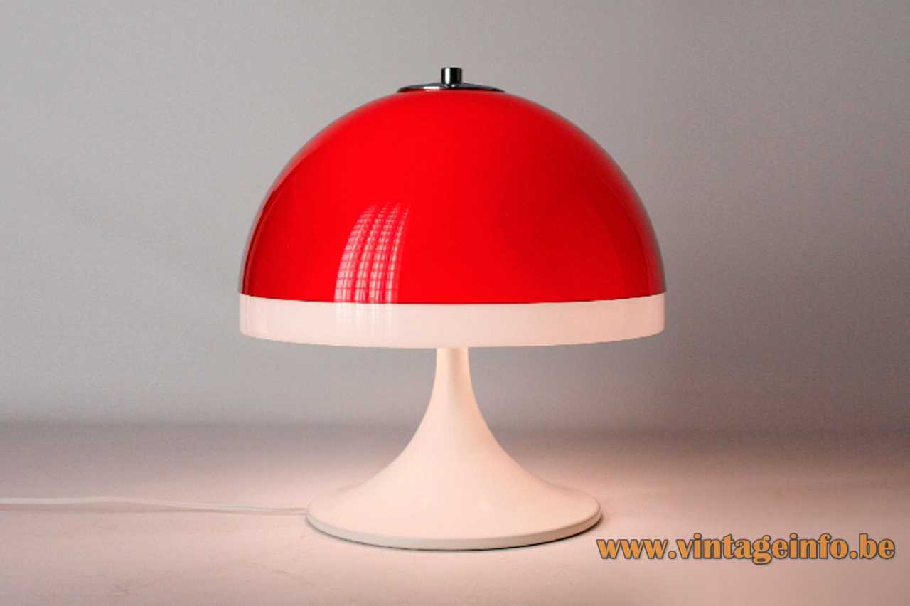 Tramo mushroom table lamp design: Joan Antoni Blanc round base red & white acrylic lampshade 1960s Spain