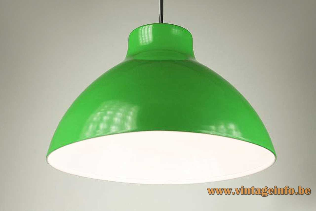 1970s metal Tramo pendant lamp green painted lampshade white inside E27 lamp socket Barcelona Spain