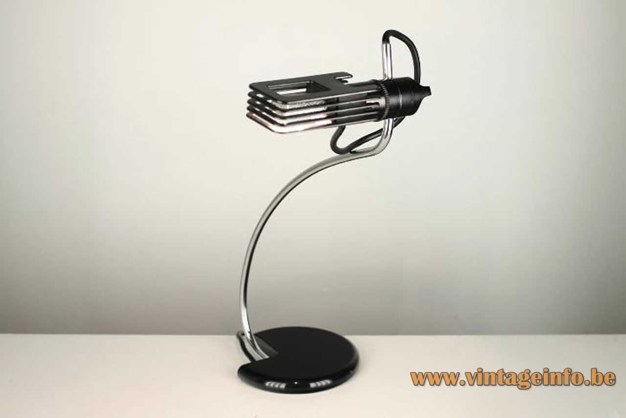 Bruno Gecchelin Wing desk lamp round black base chrome curved rod ribbed lampshade 1970s Oluce Italy