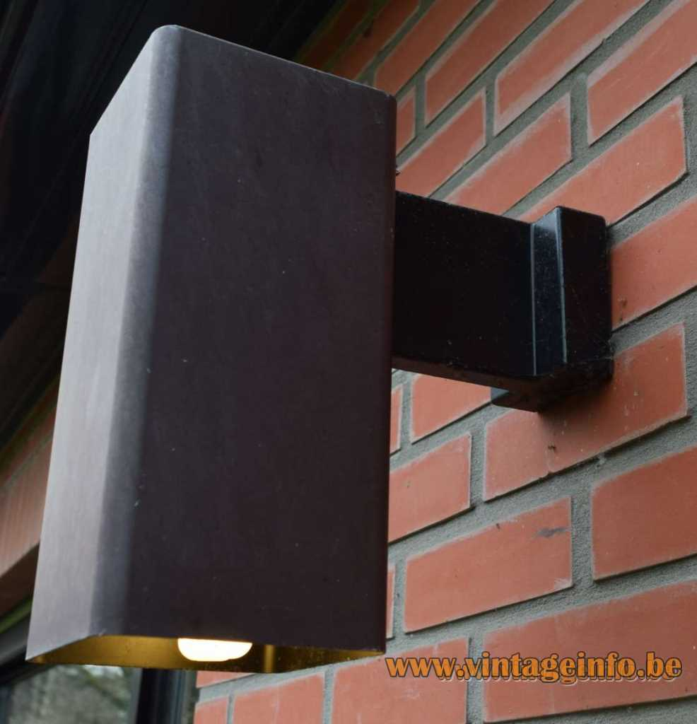 ERCO wall lamp Quadra bronze painted aluminium square cuboid light Germany 1970s E27 socket garden
