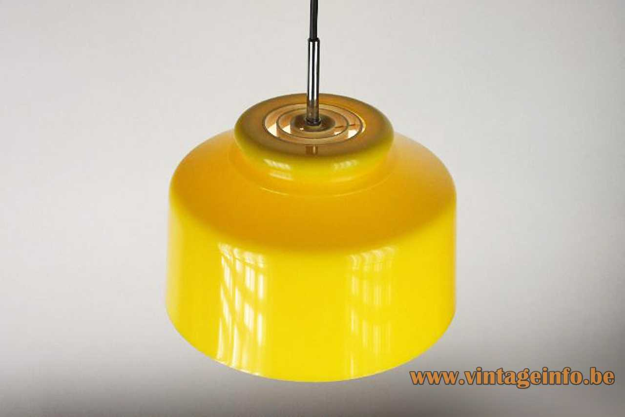 Metalarte yellow pendant lamp metal lampshade white plastic acrylic grid chrome rod E27 socket 1970s Spain
