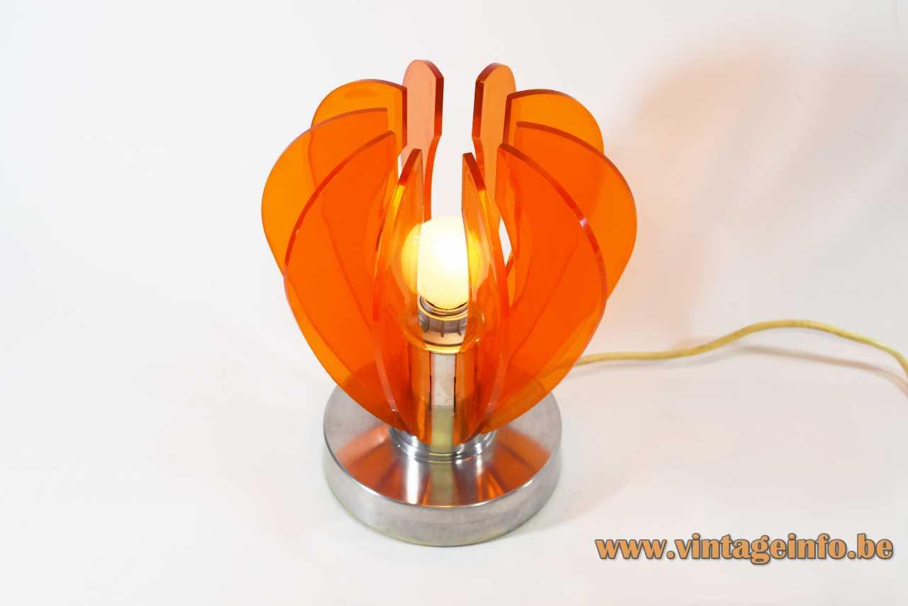 Orange acrylic radial table lamp with 10 Perspex curved slats aluminium base 1960s 1970s Italy