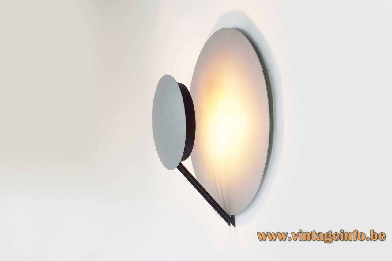 Tre Ci Luce Vega wall lamp 1985 design: Cesaro Amico 2 aluminium silver metalic discs 1980s
