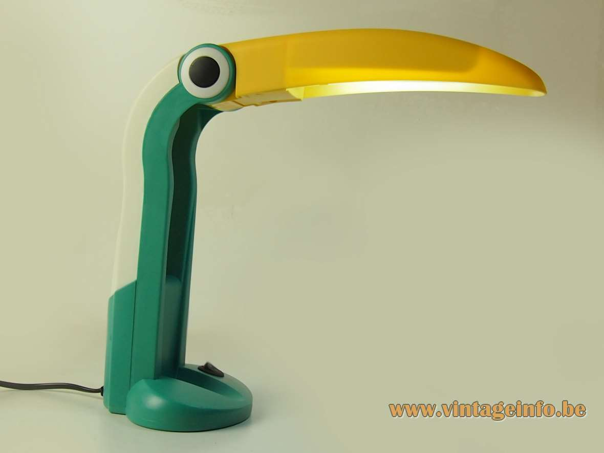 Huangslite toucan desk lamp design: Huo-Tu Huang yellow green plastic pelican bird Taiwan 1990s 2000s