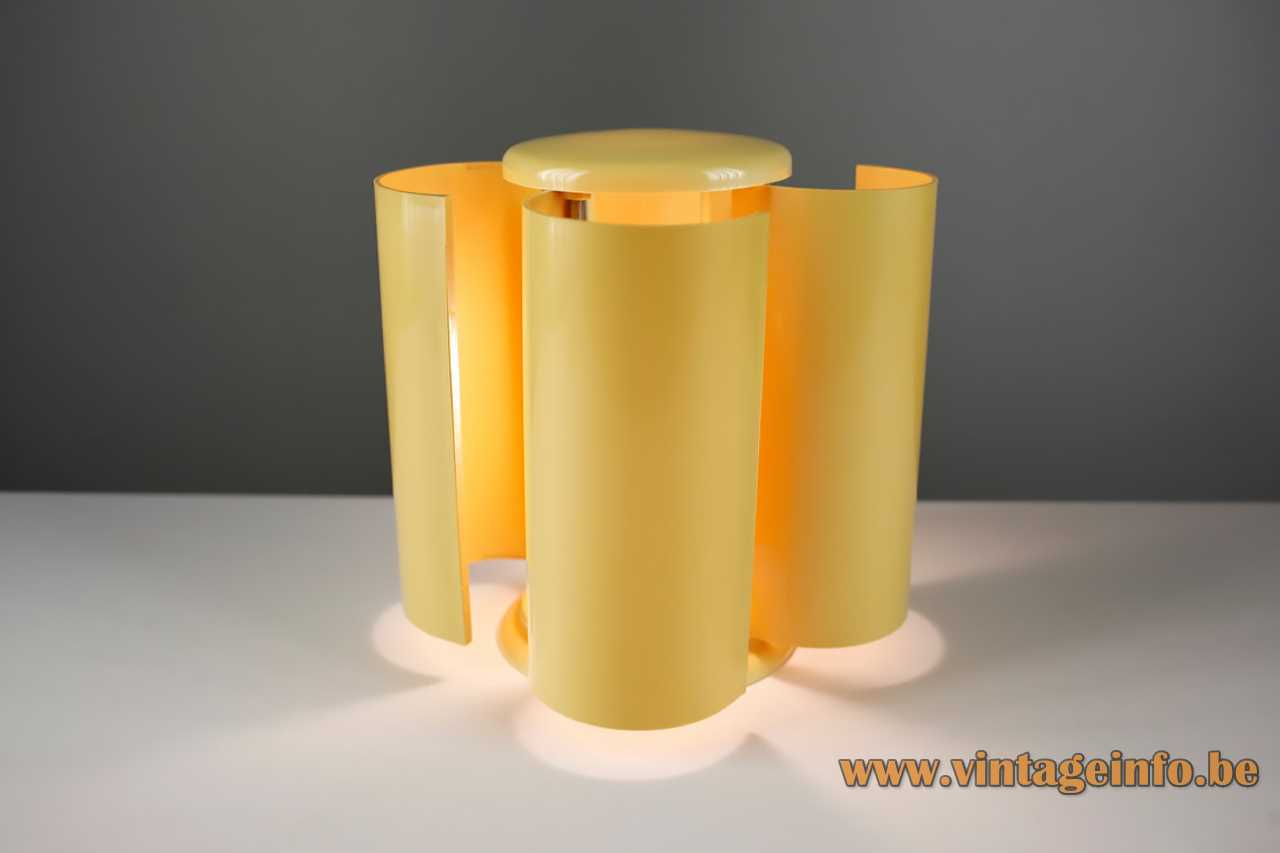 Studio D.A. Lamperti table lamp 4 adjustable yellow curved plastic louvres lampshade flower 1960s 1970s Italy