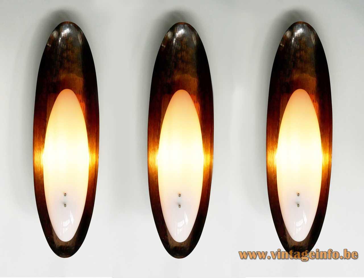 Reggiani oval copper wall lamp hammered base white acrylic lampshade 1960s 1970s Italy E27 sockets