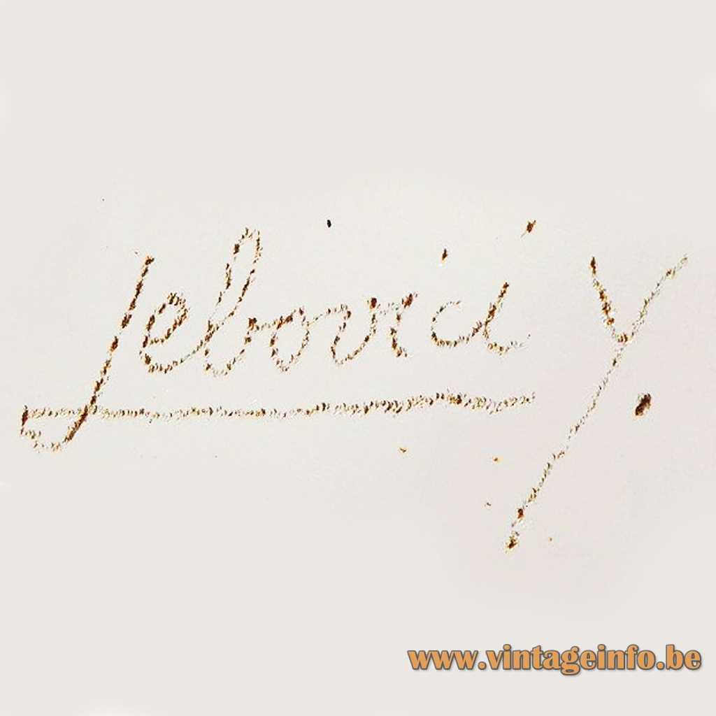 Yonel Lebovici Signature