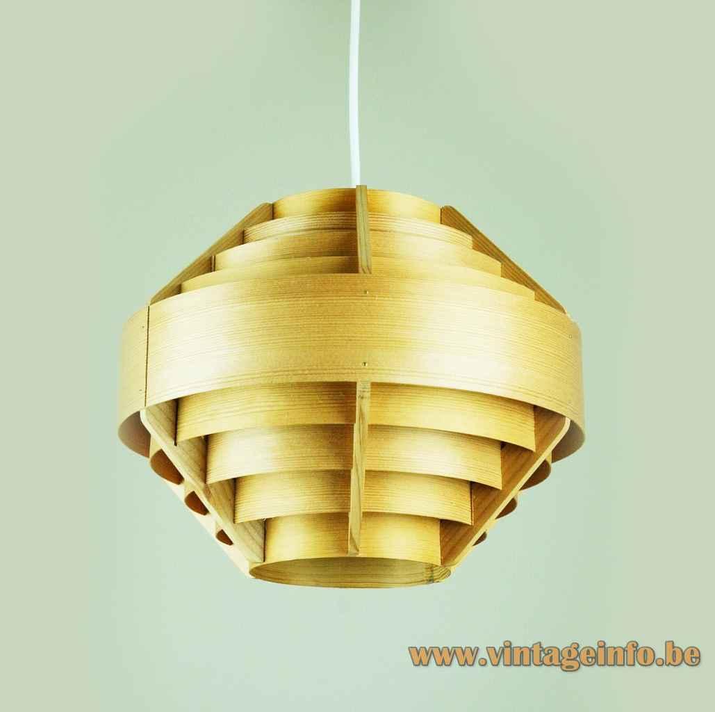 Hans-Agne Jakobsson T510 pendant lamp round pine laminate slats lampshade 1960s AB Ellysett Sweden E27 socket