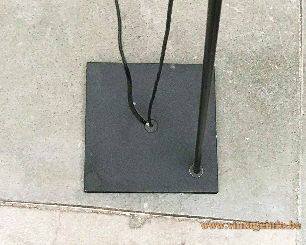 PAF Tao floor lamp square black cast iron base long rod design: Mario Barbaglia & Marco Colombo