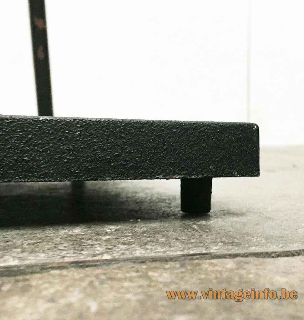 PAF Tao floor lamp square black cast iron base long rod design: Mario Barbaglia & Marco Colombo