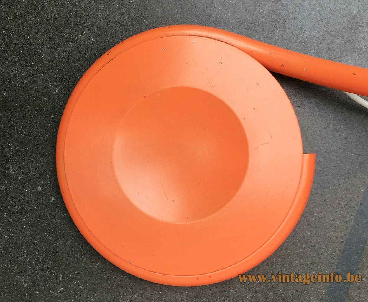 Martinelli Luce Serpente floor lamp round orange metal base 1965 design: Elio Martinelli Italy