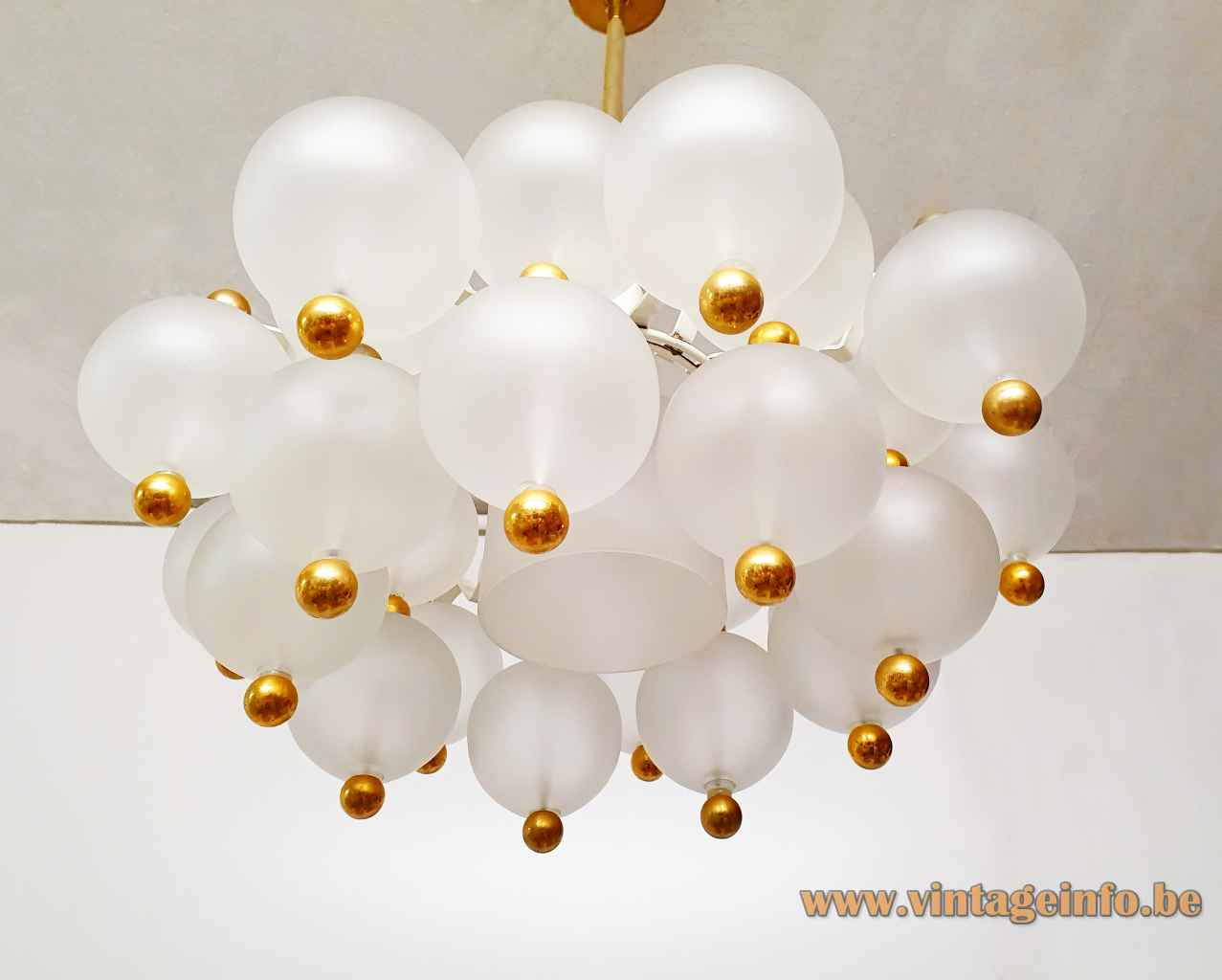Kinkeldey frosted globes pendant lamp round 27 glass spheres lampshade brass ball nuts 1970s Germany chandelier